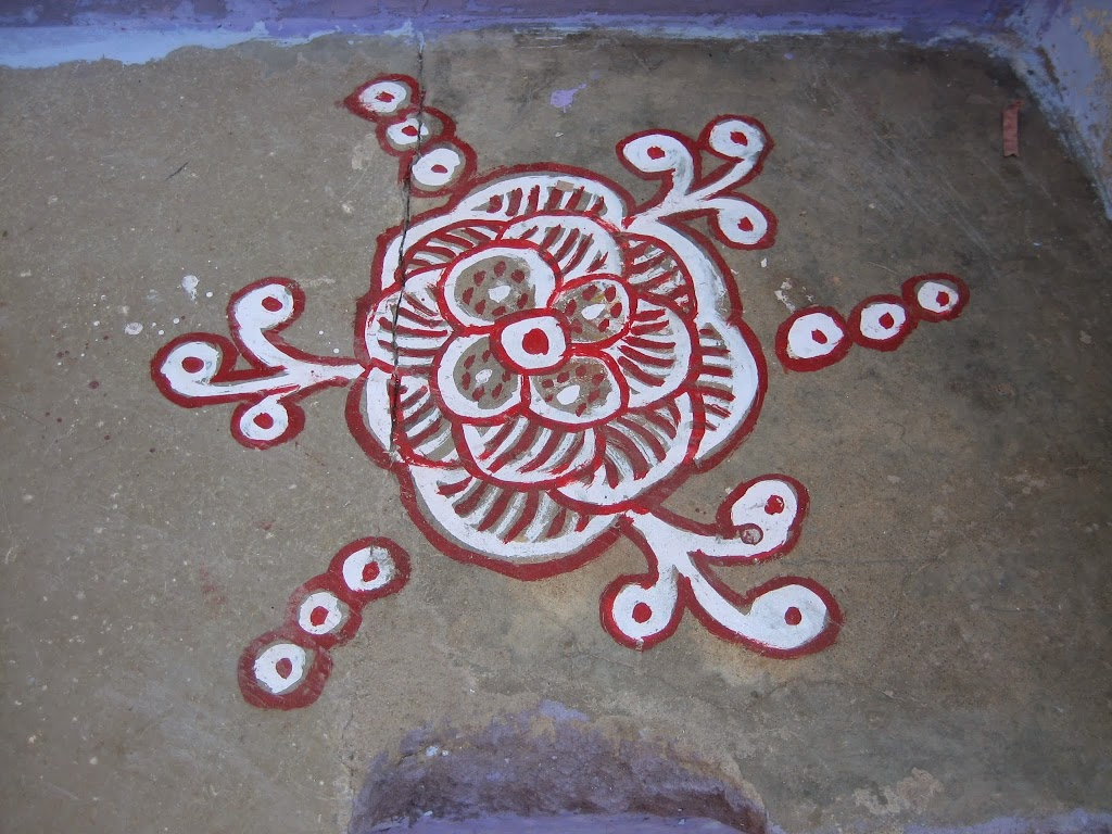dessin sur le sol en Inde