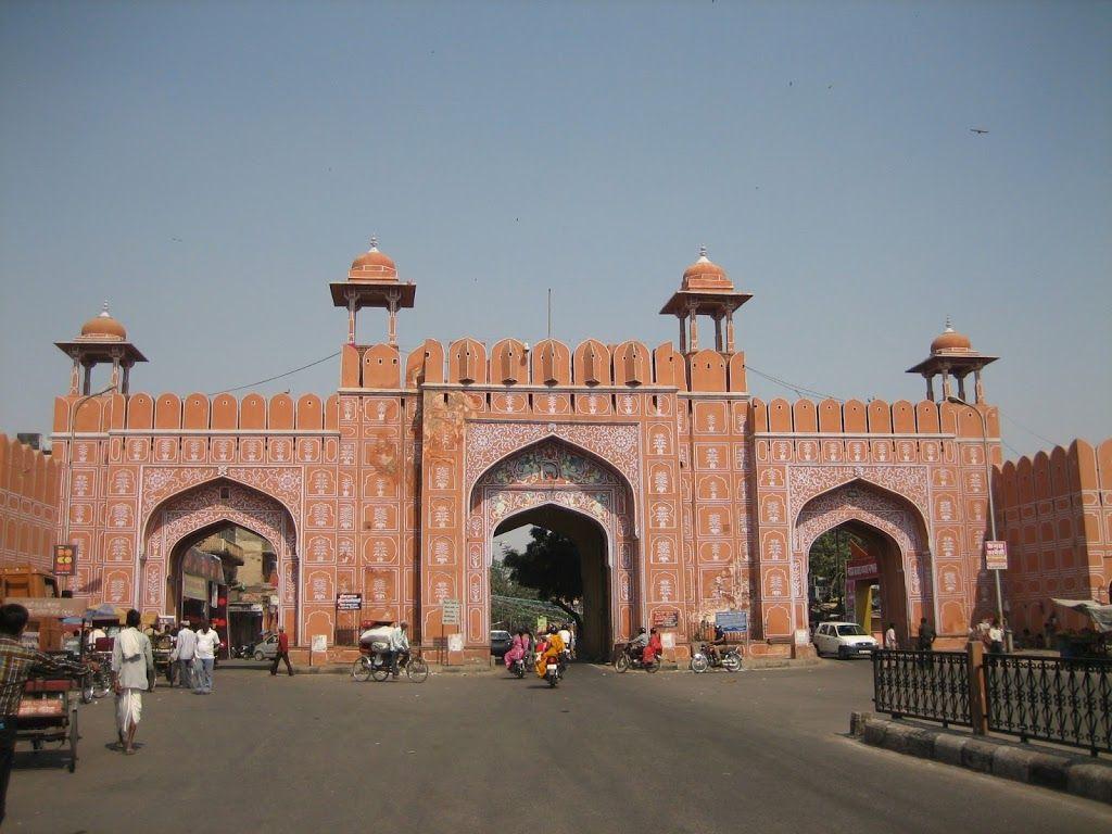 Porte à l'entrée de Jaipur