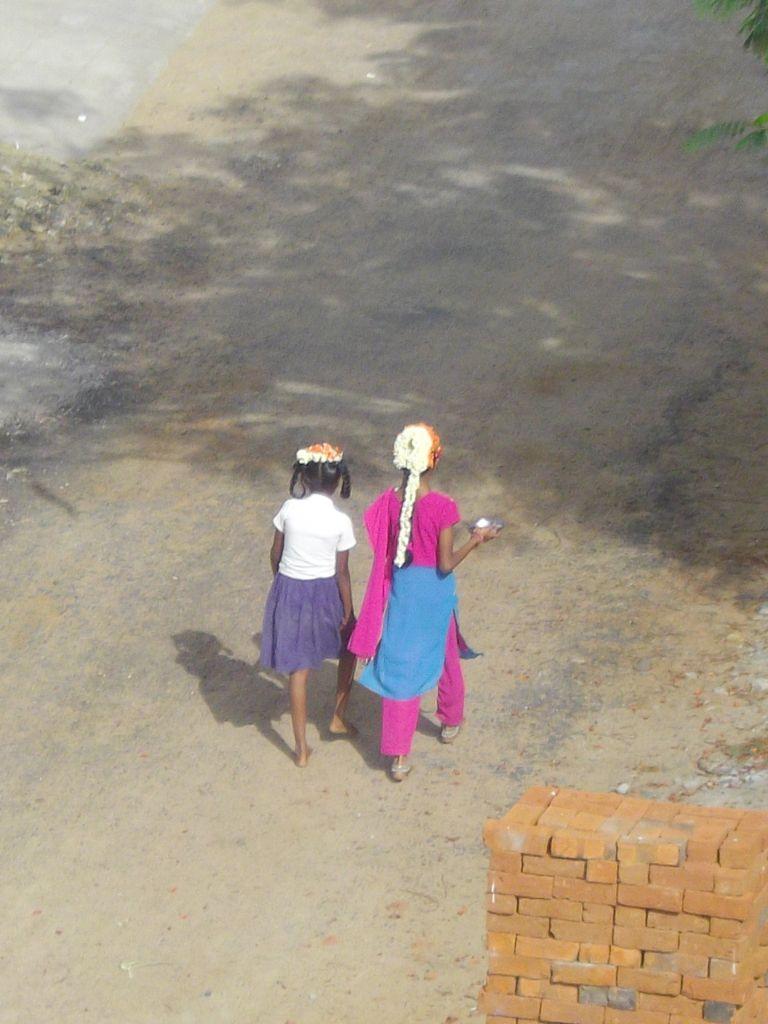 2 écolières à Panayur Inde