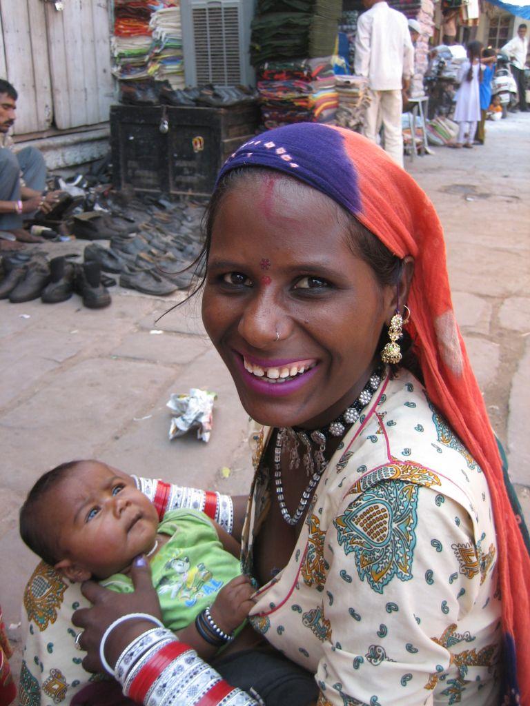 une femme et son enfant Jodhpur Inde
