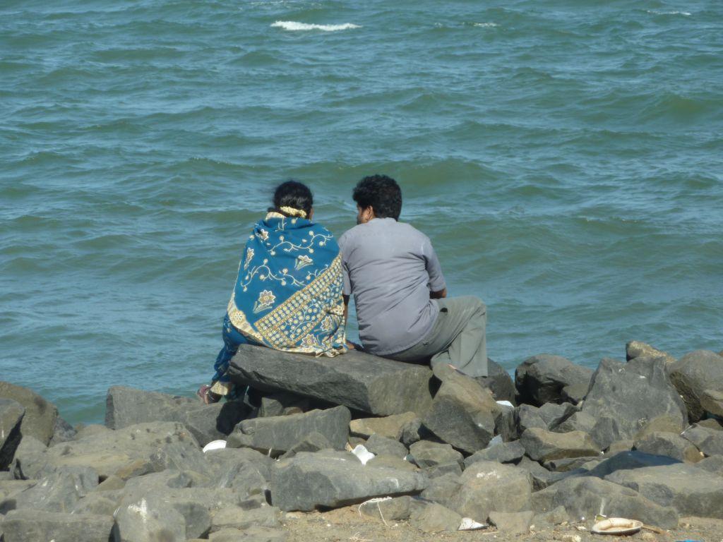 couple au bord de l'eau Pondichéry