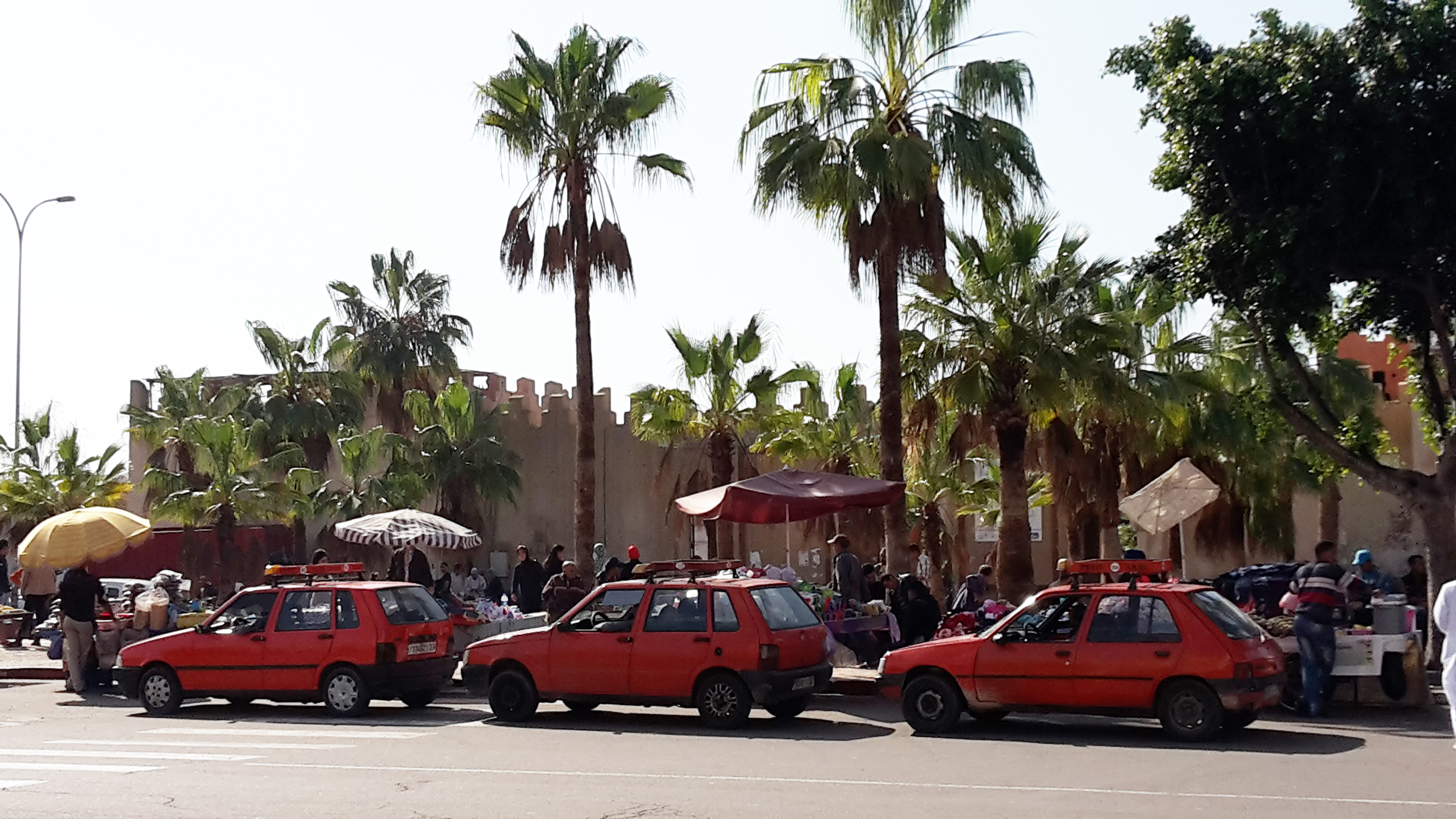 taxi souk agadir maroc