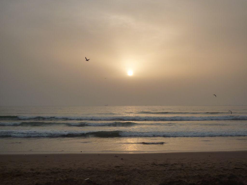 plage agadir maroc coucher de soleil